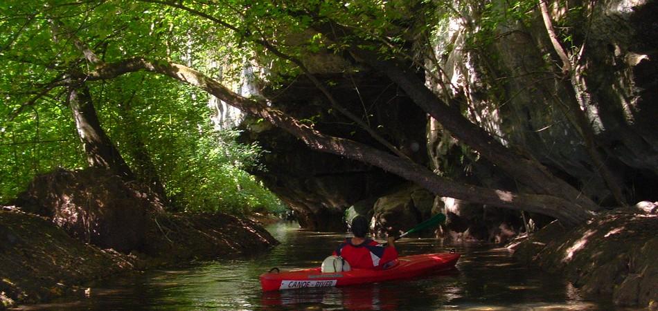 team building canoe perigord