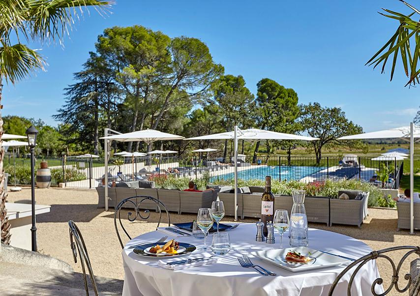 Hôtel séminaire Béziers piscine