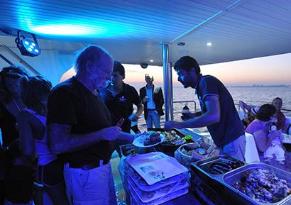 Journée entreprise catamaran Méditerranée