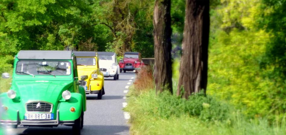 Les plus beaux villages de france rallye en 2cv