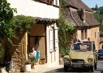 Rallye vehicule ancien en dordogne