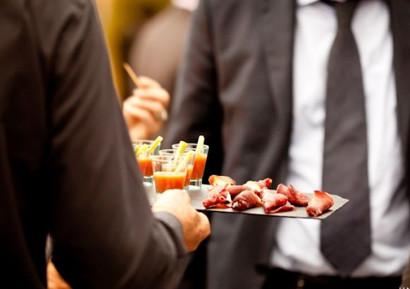 Reception avec cocktails sur un yacht privatise cannes