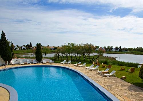 Séminaire en Camargue piscine hotel
