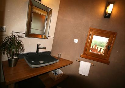 Salle de bain cabane arbre dordogne