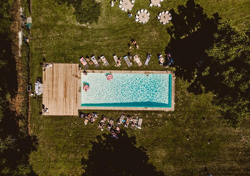 Séminaire de direction dans un chateau privatisé piscine