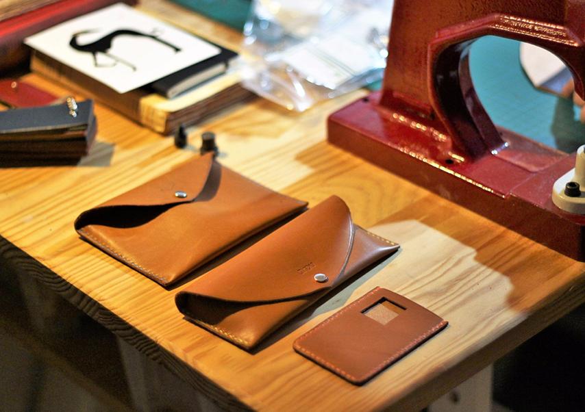 Team building cuir accessoires