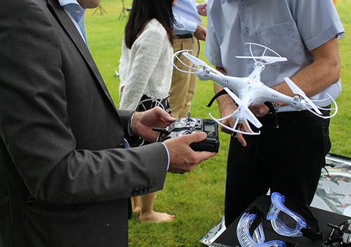 Team building drones pilotage