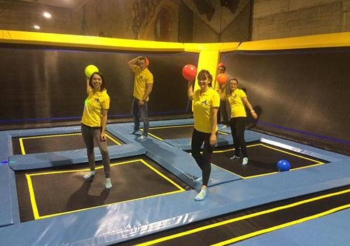 Team building trampoline equipe