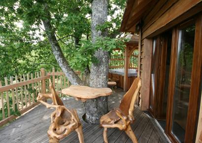 Terasse cabane arbre dordogne
