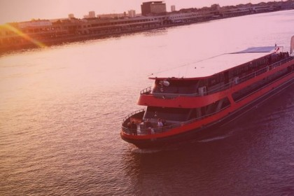 events agency toulouse boat