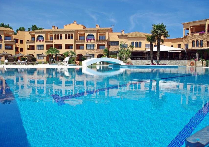 golf seminar Spain pool