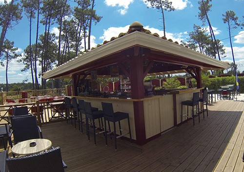 Team building mini-golf restaurant